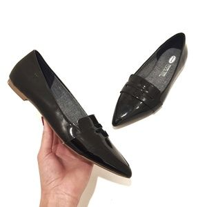 EUC Dr. Scholl's SOPHIE Black Pointy Toe Loafer